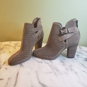 Booties / Vince Camuto